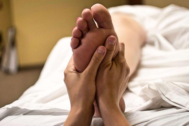 Masáže nohou
